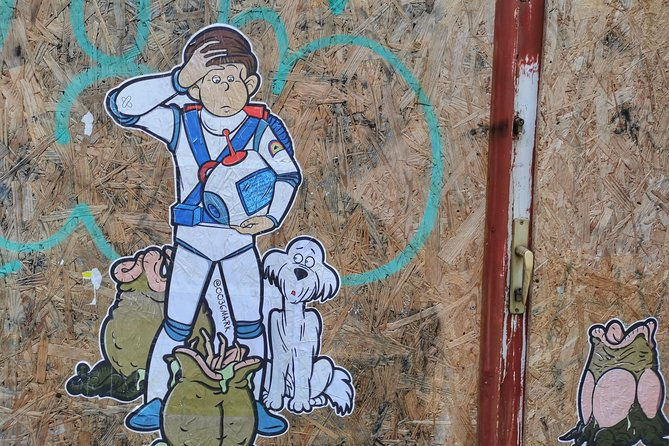 Bohemian Street Art and Food Tour in Budapest photo 9