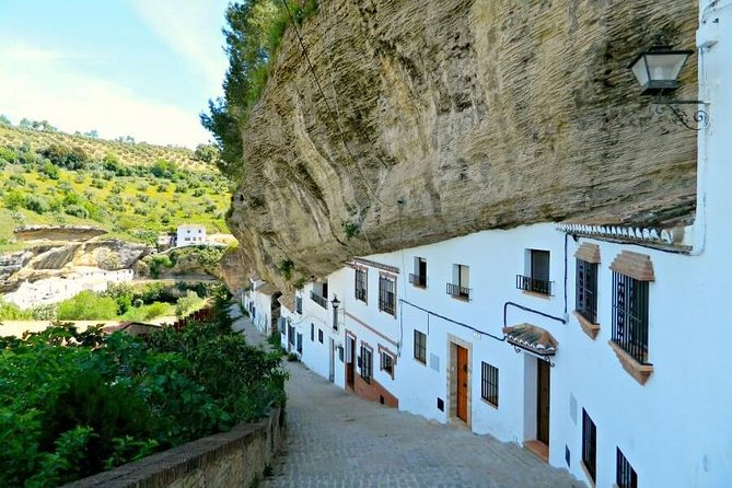 White Villages day trip from Seville photo 4