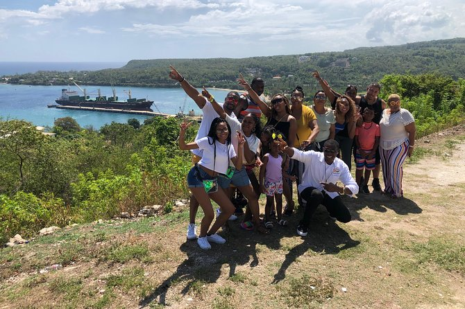 Private Tour from Montego Bay to Blue Hole/Secret Falls and Calypso Rafting