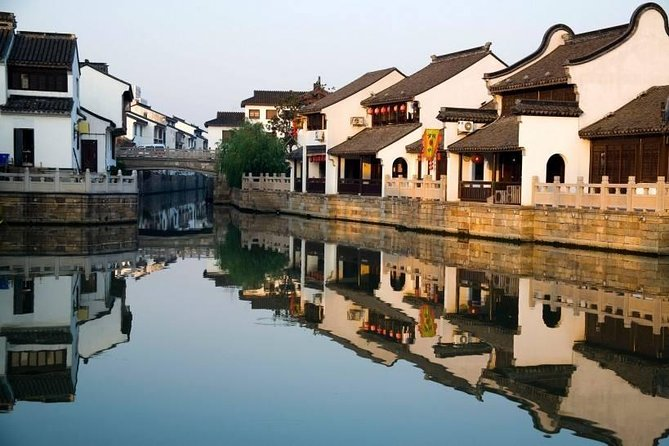 Shanghai Water Town Zhouzhuang Day Trip by Limo from Shanghai