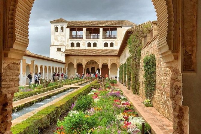 Granada & Alhambra Premium : Full Alhambra Comlex + Nasrid Palaces Guided Tour photo 8