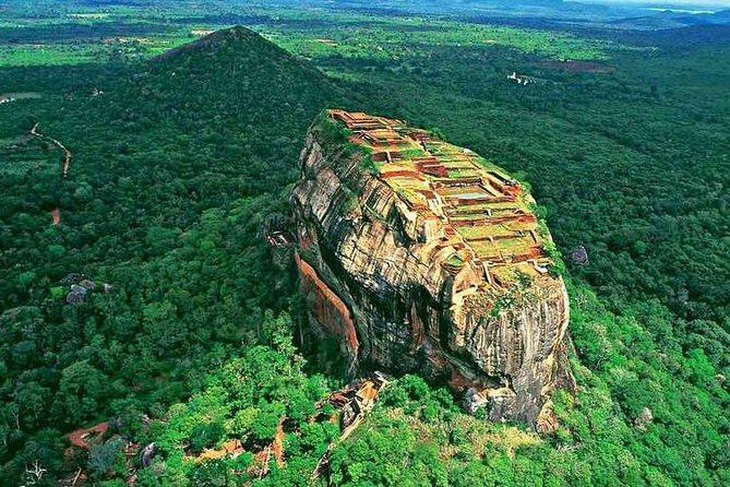 Sigiriya Day Tour from Colombo with Hotel Pick up