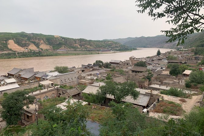 Private Full Day Tour to Qikou Ancient Town and Yellow River from Taiyuan