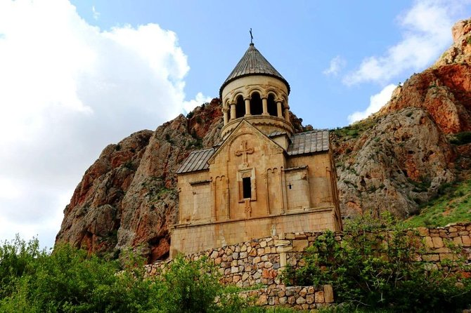 Enlightened Armenia Tour (Ejmiatsin, Khor Virap, Noravank, Areni) photo 8
