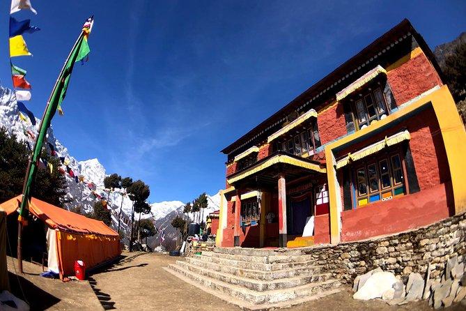Lawudo Gompa Retreat Trekking