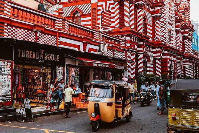 Best of Colombo in a Day: Private and Guided Sightseeing Tour by Go Sri Lanka
