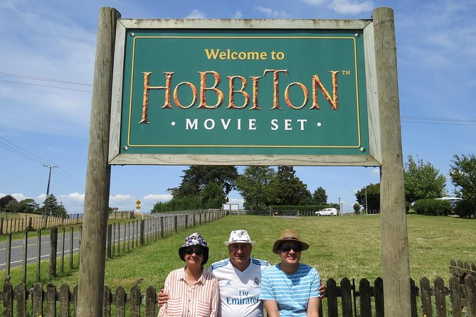 Hobbiton Movie Set - Day Tour from Auckland (Return Trip)