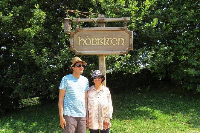 Hobbiton Movie Set - Day Tour from Auckland (Return Trip)