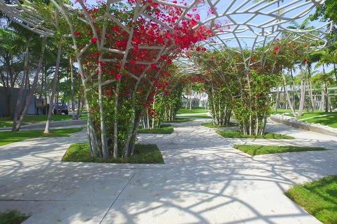 Miami Beach: Transcending Mall