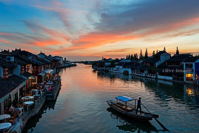Water Town Shanghai Private Day Trip - Enjoy Local Life, Street Food, Boating
