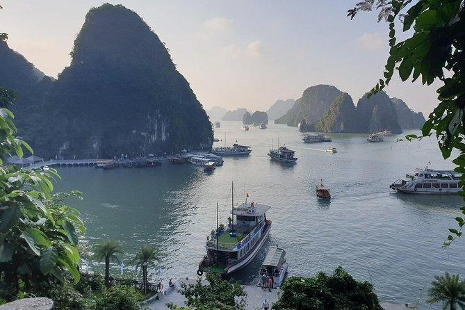 Ha Long Bay Full Day Tour : Kayak,Cave Explore,Swimming from Tuan Chau Island