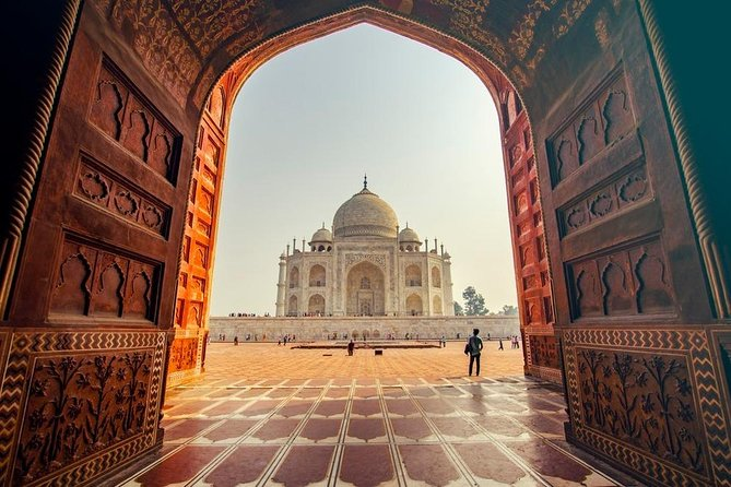 Taj Mahal Tour at Sunrise : Private and All Inclusive.