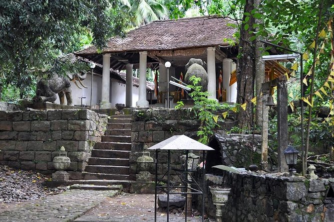 Day-trip from Kandy to 6 historical temples - Off the beaten path photo 2