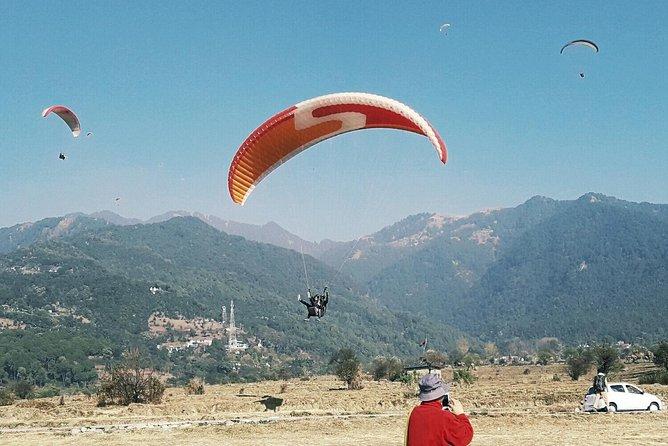 ''Paragliding In Bir Billing''