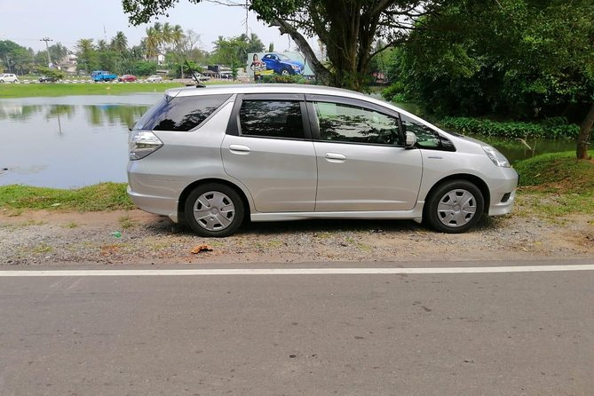 Sigiriya Hotel to Bandaranaike International Airport (CMB) Private Transfer