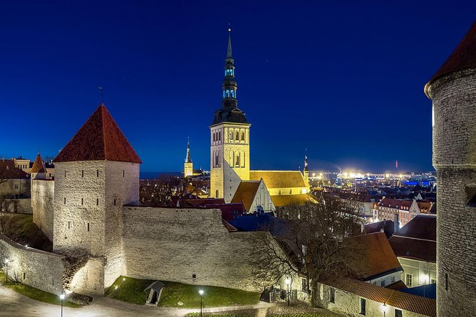 Premium tour of romance and love in Tallinn Old Town (attend and win 10000€) photo 7