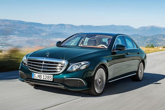 Malaga Airport Transfers : Malaga Airport AGP to Malaga City in Business Car