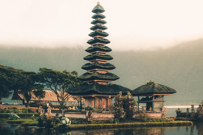 Bali 5 Days Private Tour with Accommodation and Breakfast
