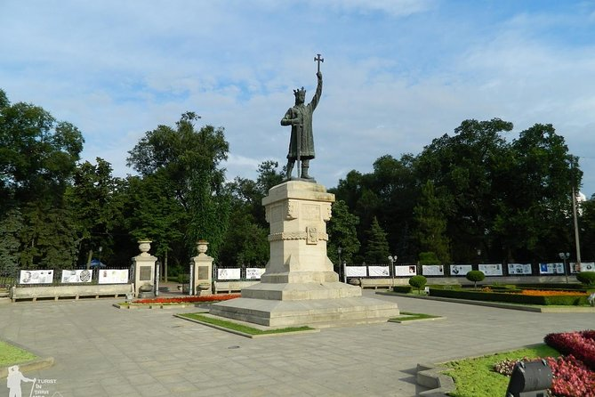City Tour Chisinau -Transnistria tour with lunch expirience