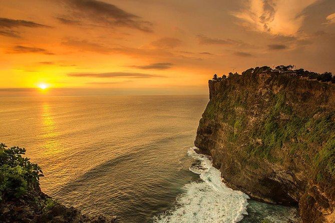 Bali Day-Tour: Tanah Lot and Uluwatu Temple Trip