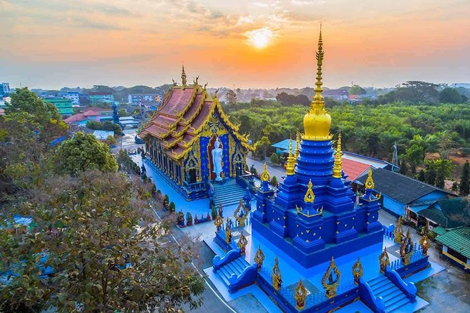 Chiang Rai Food & Night Market Walking Tour with Local Host