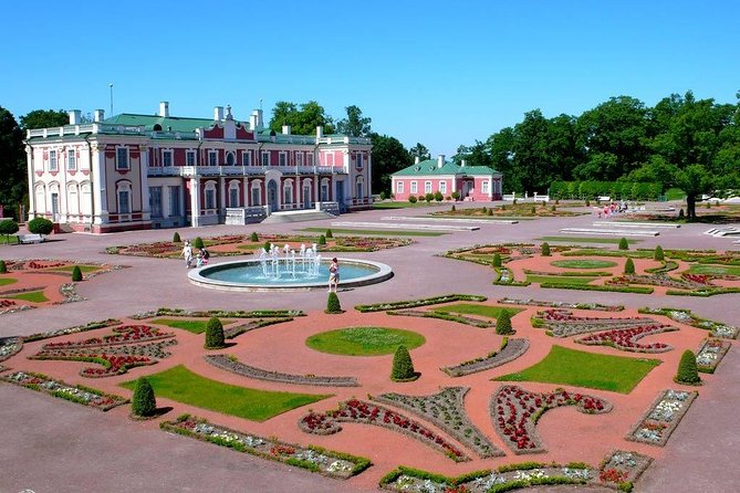 Private Tour: Highlights of Tallinn with Kadriorg and Pirita photo 1