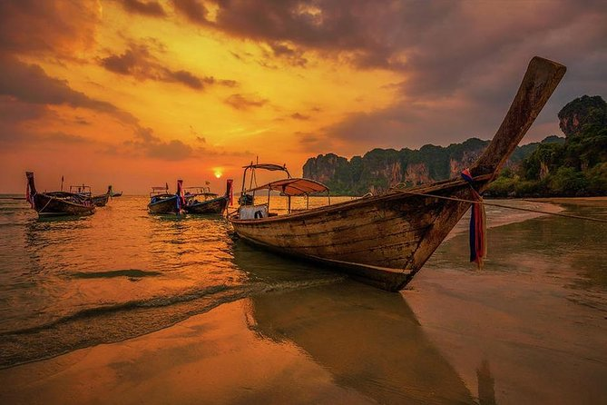 Hong Island Sunset Tour with BBQ Dinner by Longtail Boat from Krabi