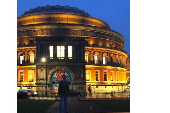 Taxi tour guide enabling clients to experience the wonders of London Town