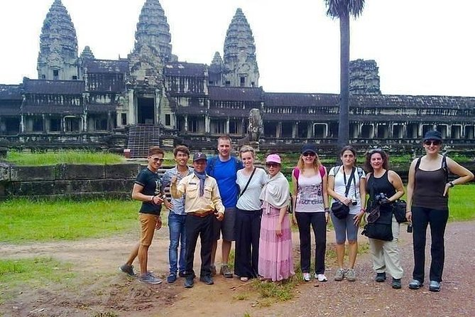 Full-Day Angkor Wat and Small Circuit Temples by Private Transport