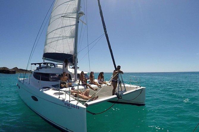 Lobos Island: Small Catamaran Sailing Experience from Corralejo