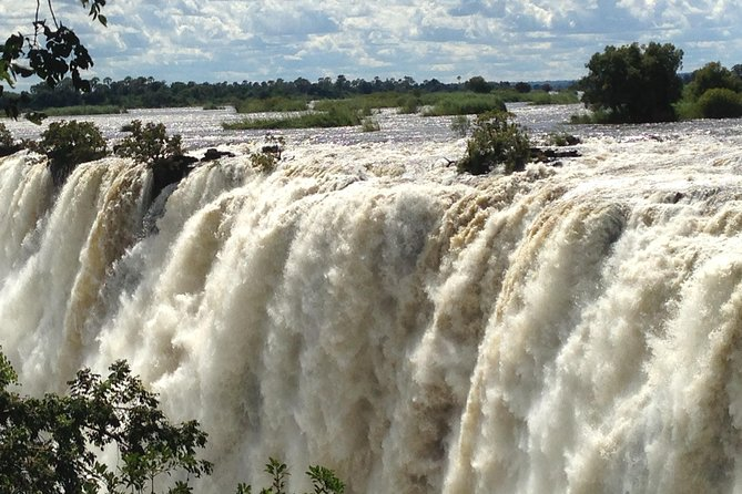 Guided Tour of the Victoria Falls - Zimbabwe side