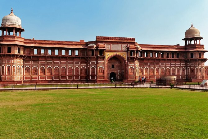 Private Taj Mahal Tour from Delhi by Car with Entrance fee