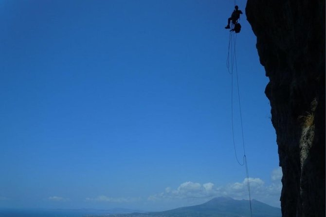 Castello di Lettere (Castle of Lettere) and Rock Climbing Tour with Lunch!