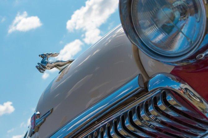 St. Petersburg tour in a Retro Car (Saint Petersburg city tour)