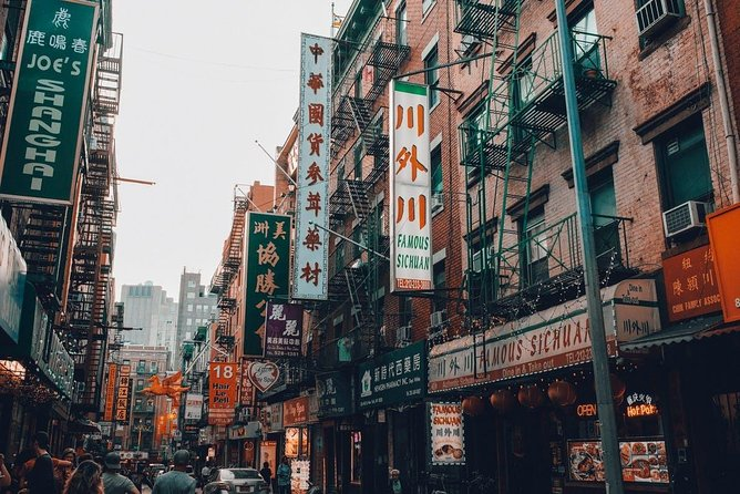 Private Chinatown & Little Italy Food & Speakeasy Tour