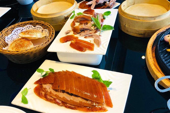 4-Hour Private Tour: Chaoyang Theatre Acrobatics and Peking Duck Dadong Dinner