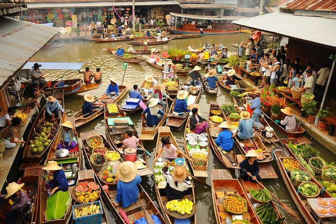From Bangkok: Discover the Thai Traditional floating market in this Day Tour
