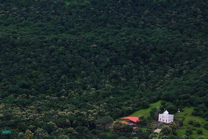 Guided day trip to Sinhagad Fort & Khadakwasla from Pune