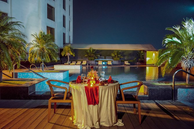 Instagram Photoshoot With Romantic Dinner Date - Charming Poolside Date