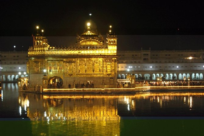 Private Tour of Golden Temple and Wagah Border with Authentic Punjabi Lunch