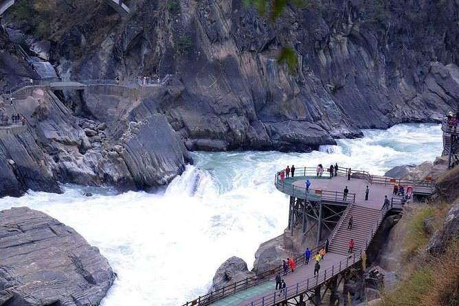 Half-Day Private Tour Tiger Leaping Gorge in Lijiang