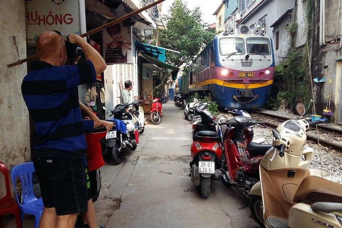 Vespa Tour Hanoi Backstreet