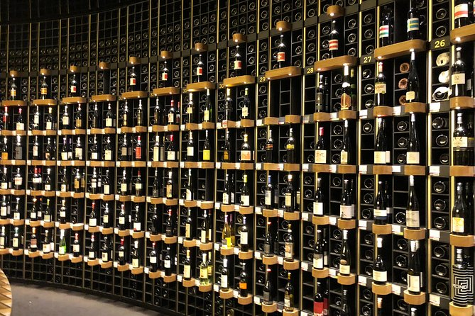 Wine, Sweet and Savory Food Private Walking Tour in Bordeaux