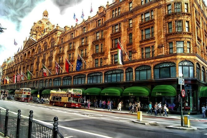 Shopping Tour in London in a Executive Luxury Vehicle private