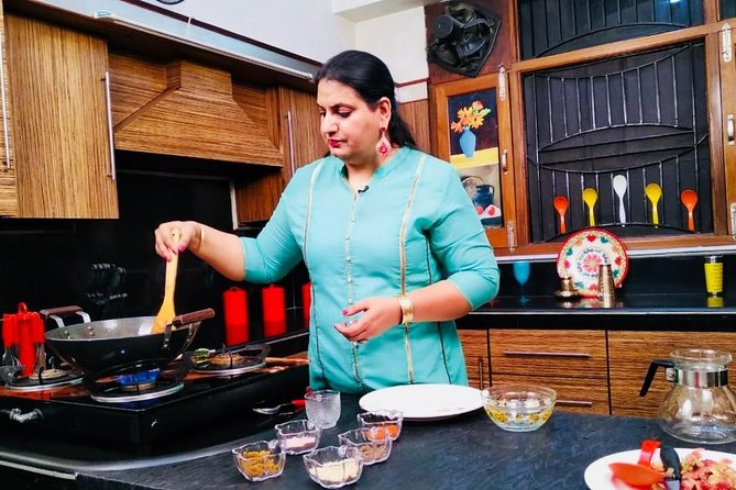 Amritsar Cooking Class and Meal with Indian Family