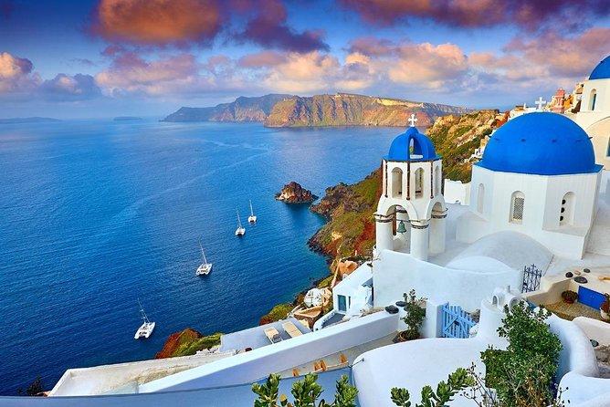 Shared Morning Cruise around Santorini's best beaches