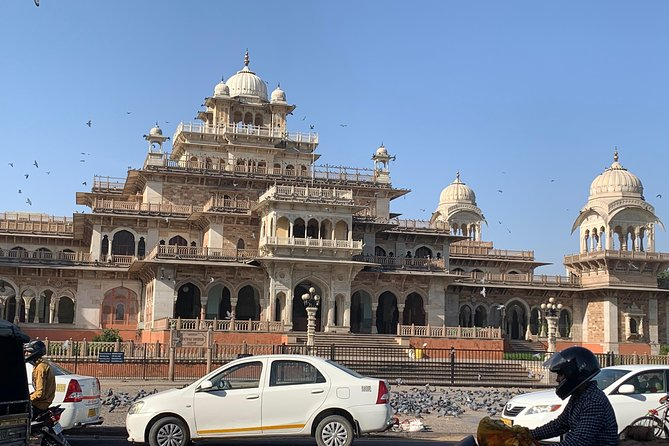 Private Jaipur Sightseeing Tour by Car and Chauffeur