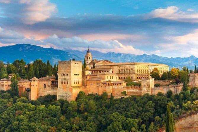 Granada e palácio de Alhambra Excursão particular de Córdoba