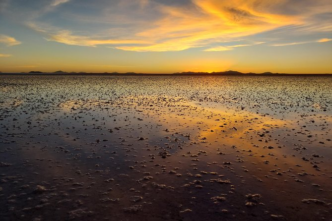 Salar de Uyuni and colored lagoons tours 3 days