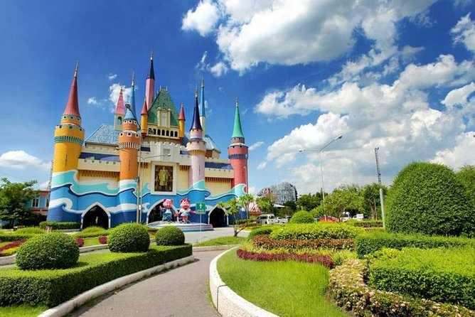 Siam Park City Amusement Park in Bangkok with Buffet Lunch & Return Transfer